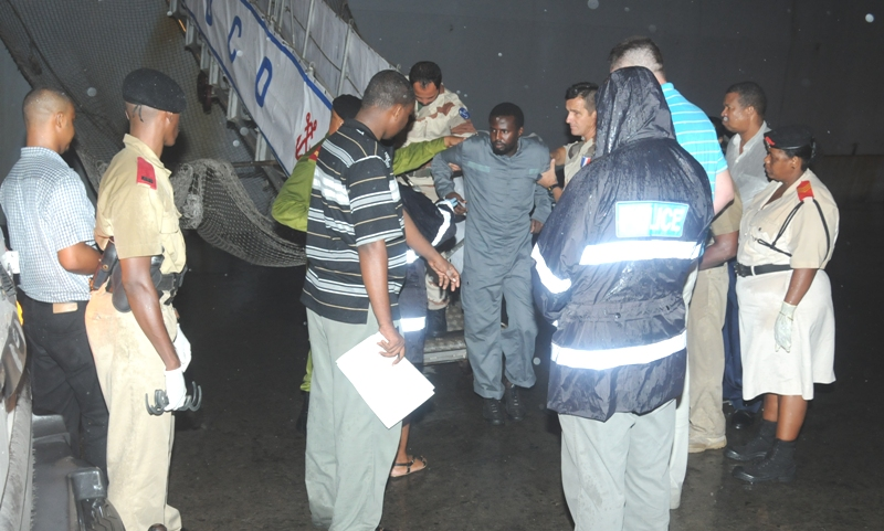 Five Suspect Pirates Handed over