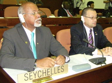 Minister Pillay (left) and Ambassador Jumeau at the NAM forum