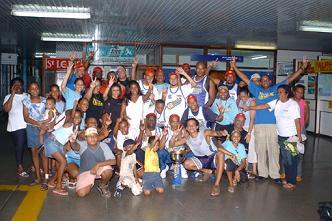 Des supporters de Premium Cobras sont venus célébrer la victoire de leur équipe