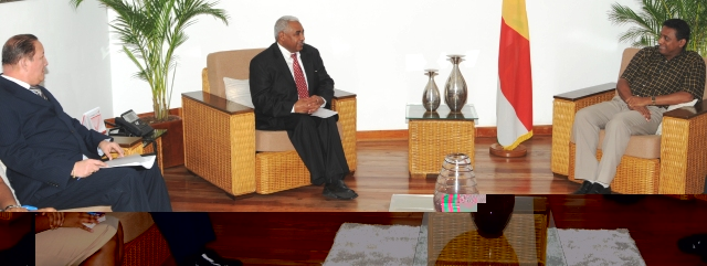 The World Bank delegation in discussion with Vice-President Faure