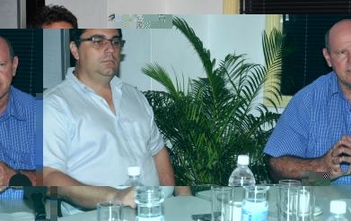 MM. Viroleau (à gauche) et St Ange lors de la conférence de presse
