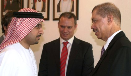 President Michel and Foreign Affairs Minister Adam discussing with Sheikh Majid Al Mualla, Emirates senior vice-president for commercial operations in West Asia and the Indian Ocean