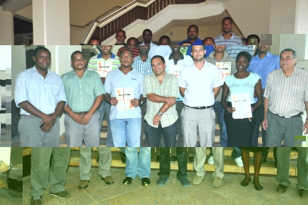The surveyors in a souvenir picture – with PS Lionnet, Professor Fernandes and senior MLUH officials –  after they got their certificates