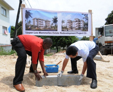 Mr Fideria and Ambassador Shi laying the foundation stone for the project