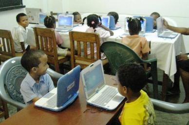 Students learning with the use of technology