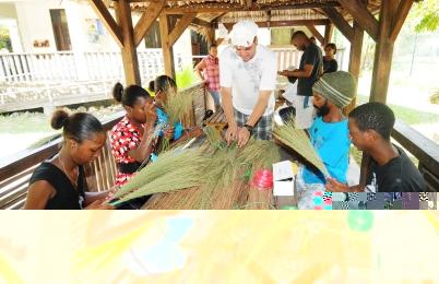 Youths learning to make balye fatak