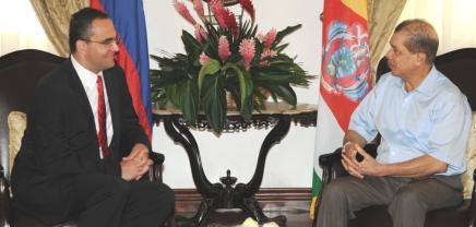 Slovak Republic's envoy Dr Michal Mlynár discussing with President James Michel