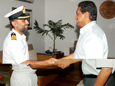 Mr Singh pays his farewell call on Vice-President Faure