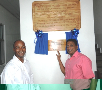 VP Faure after he had unveiled the plaque to inaugurate the station. On the left is Mr Hammond