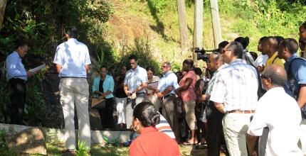 Prof. Payet addressing guests and workshop delegates at the site of the Forêt Noire landslide