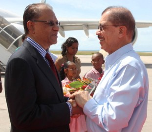 President Michel welcoming Prime Minister Ramgoolam on his arrival at the airport