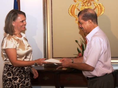 Mrs From-Emmersberger presents her credentials to President Michel