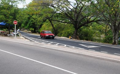 A vehicle using the shortcut road yesterday. The shortcut is a one-way road linking St Thérèse and Bois de Rose roads