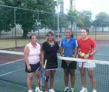 Women's winners Clyvie Delpeche (1st right) and Thara Hoareau (2nd right) with losing finalists René and Chang-Tave