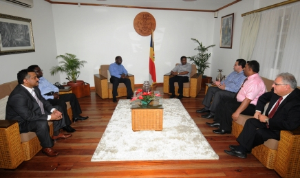 Vice-President Faure meets the ministers and sector manager of the World Bank John Panzer