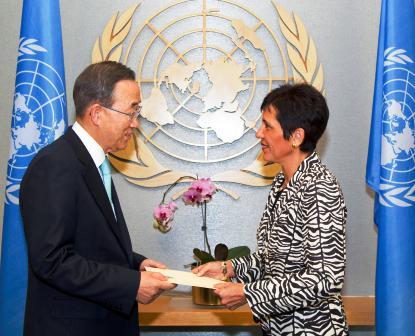 Ambassador Potter presenting her credentials to UN secretary general Ban Ki-Moon