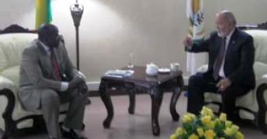 Mr Mancham in discussion with the Prime Minister of Rwanda