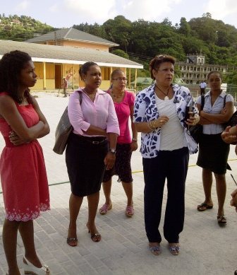 Minister Mondon and her delegation during the visit at the La Rosière primary school