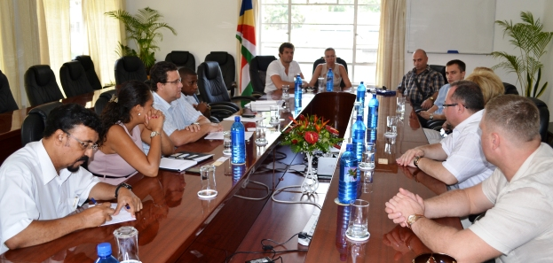 The delegation during meeting with finance minister Pierre Laporte