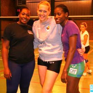 De gauche à droite : Marielle Bonne, la pointue Iryna Liedovska et la centrale Rose MBenga défendent les couleurs du Volley Club Harnes cette saison