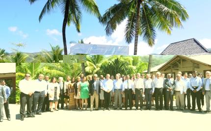 Photo de famille des invités et des délégués