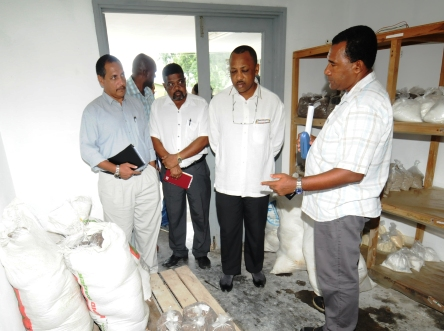 Minister Sinon and his delegation touring the agriculture requisite section
