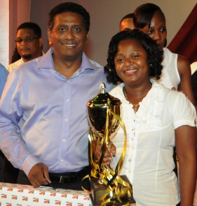 President's Cup winner Marie-Paule Hetimier with Vice-President Faure