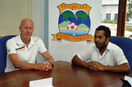National team coach Mak (left) and SFF chairman Chetty