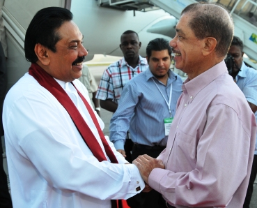 President Michel warmly welcomes President Rajapaksa on his arrival at the Seychelles International Airport on Saturday