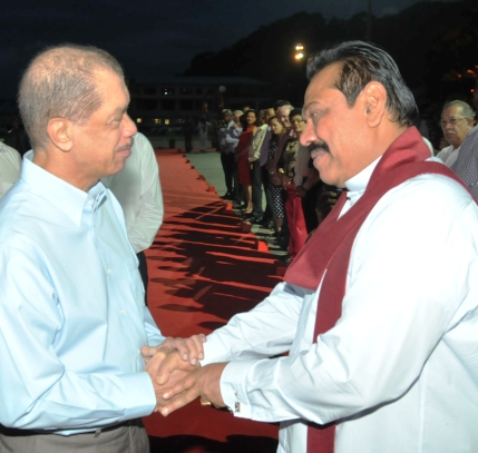 President Michel seeing off his Sri Lankan counterpart at the airport yesterday evening
