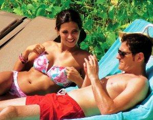 Casillas with girlfriend Sara enjoying the sun on Seychelles shores