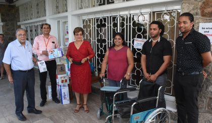 Indian Association and Vijay Group donate to the elderly